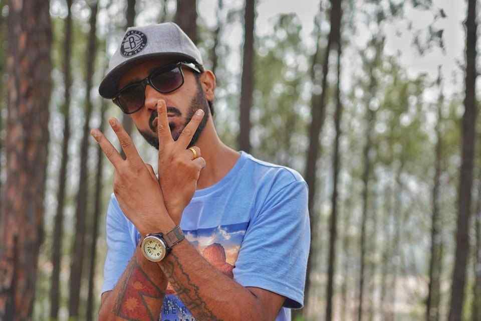 Oi Hoi Lyrics - Girish Khatiwada | Girish Khatiwada Songs Lyrics, Chords and Tabs | Neplych