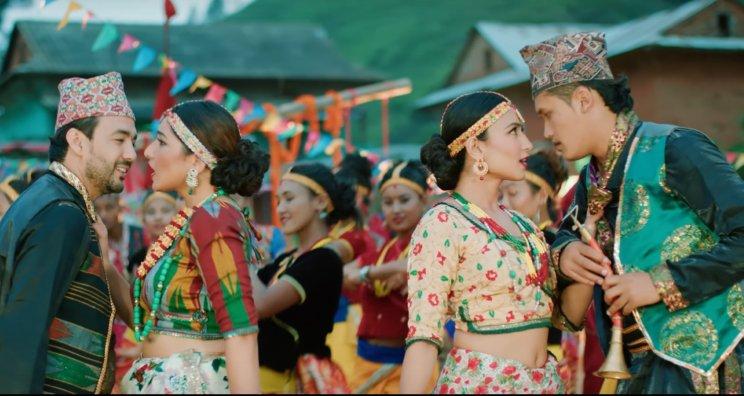 Ek Kaan Dui Kaan Maidaan Lyrics – Aashish Sachin and Melina Rai | The Cartoonz Crew, Aanchal Sharma, Myakuri